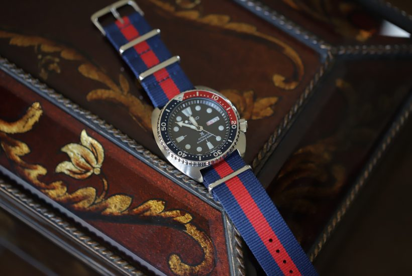 How to Wear a NATO Strap – Two Ways to Lace it