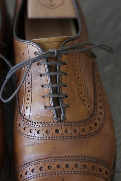 straight bar laces, how to lace your shoes, shoelaces, Style, menswear, mens fashion, fashion, silver fox, fashion blogger, menswear blogger, style over 40, men style, style over 40 blog, mens style, silver hair, style blogger, men with style, 40 over fashion, over 40 fashion, guys with style, 40 over fashion blog, ageless, style for men, fashion over 40, men's look, fashion for men, men's outfit, men's clothing, man blog, men's lifestyle, vlogger, men's lifestyle blog, men's outfits, lifestyle for men, man blog, how to dress in your 40's, style for guys in their 40's,